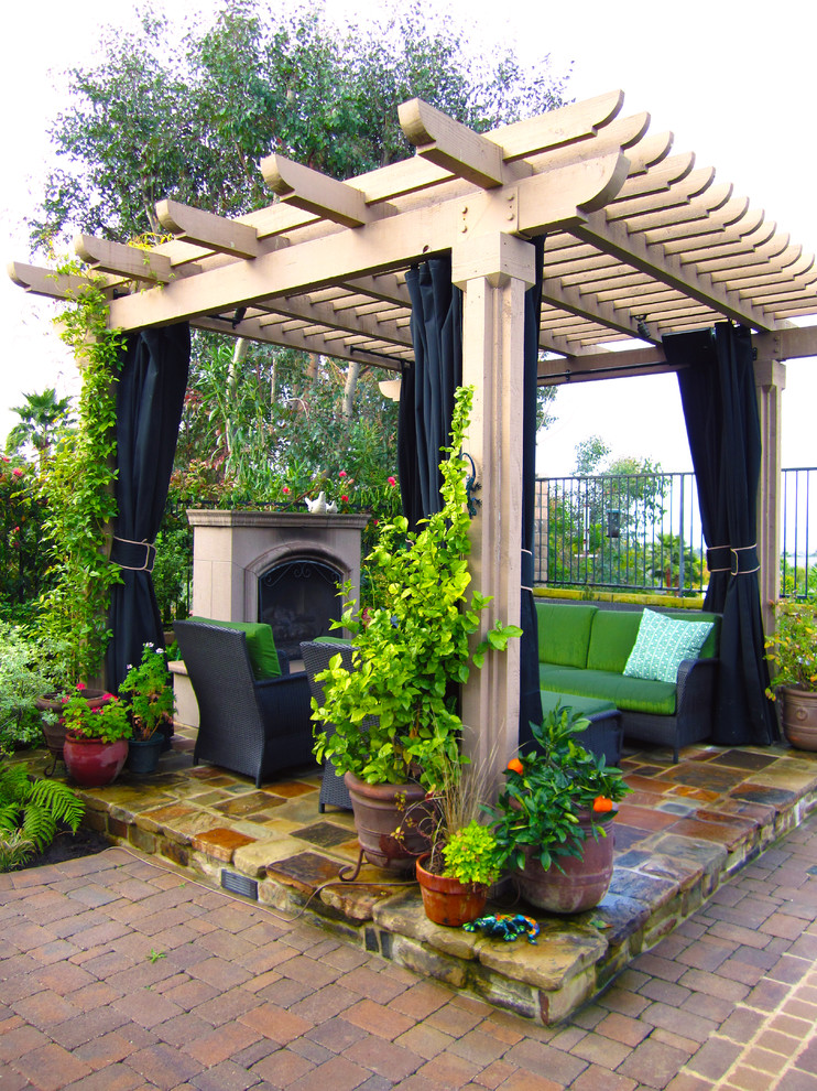 traditional-patio-3